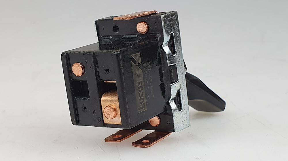 Schakelaar binnenverlichting P1800