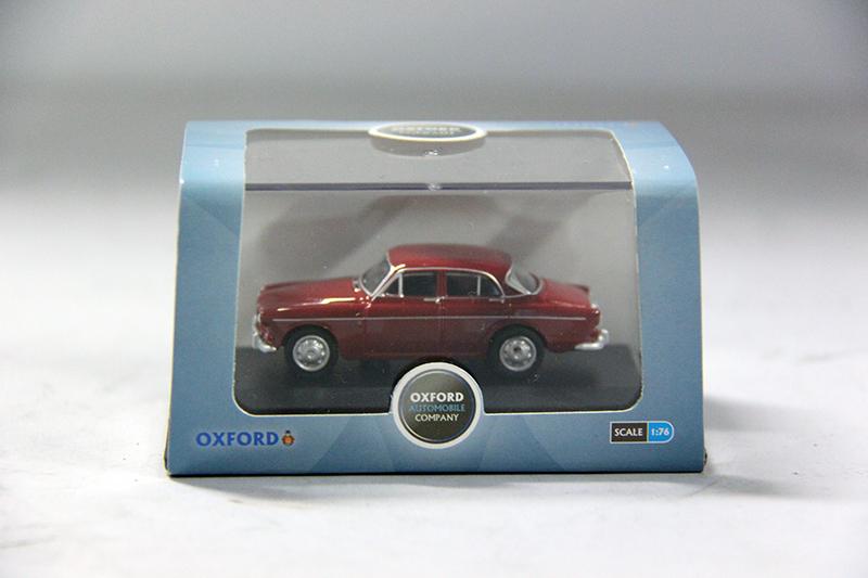 Volvo Amazon 4-drs rood 1:76