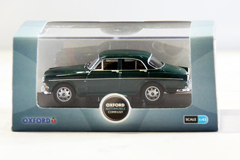 Volvo Amazon Groen 1:43