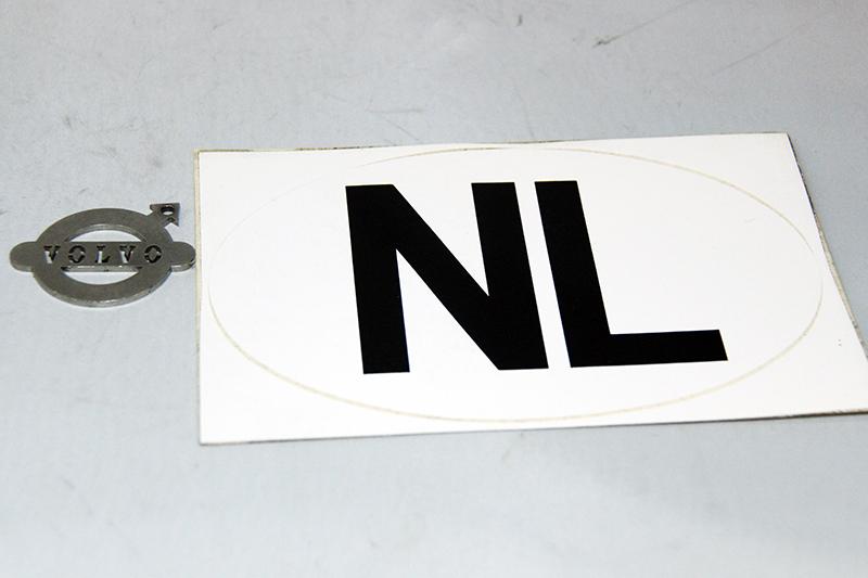 NOS NL sticker wit ovaal. Afmetingen: 172 x 112 mm.