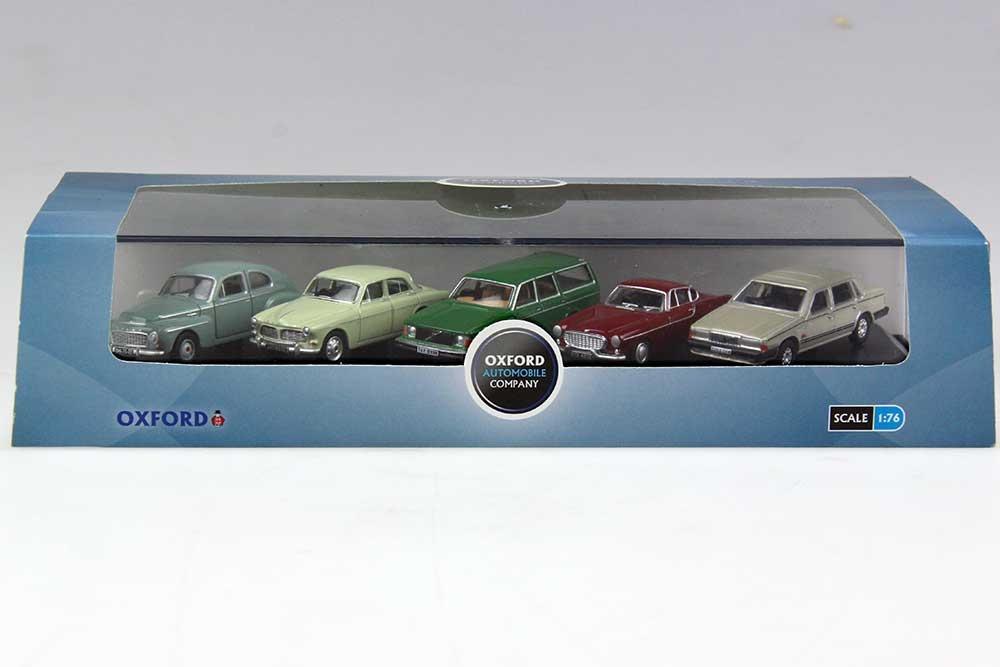 Volvo set van 5 modellen 1:76