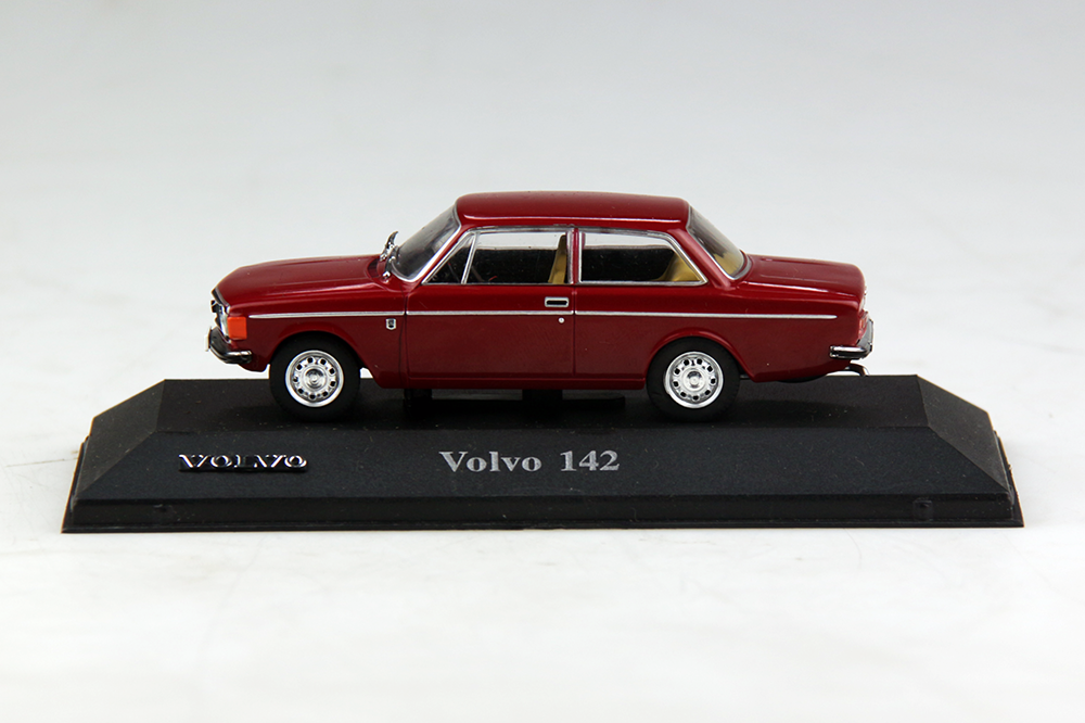 Atlas model nr 27 Volvo 142 Rood