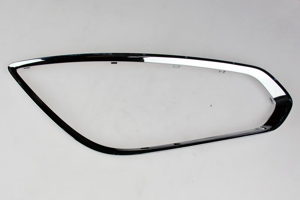 NOS bumper sierstrip R-design